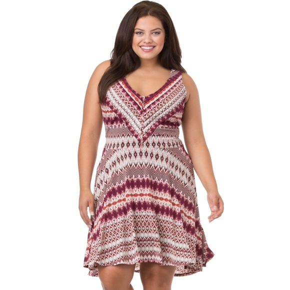 Jessica Simpson Dresses & Skirts - Jessica Simpson Nicola sunburst Dress plus size 2x